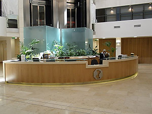 hand-clinic-inside